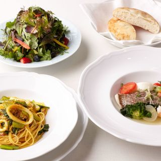 ハーブを要に、潔い味わいを尊重したイタリア料理。