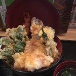 どんと屋 - 天ぷら丼:登場