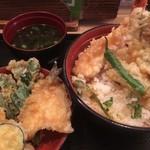 80698380 - 天ぷら丼:食べ方  (笑)