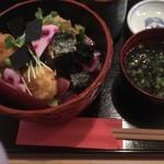 どんと屋 - 海鮮丼