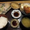 神田 新八 - 料理写真:鯵たたきとカキフライ定食