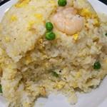 中国料理 登龍 - 端から…少しづつすくって食べてますが… 食べても食べても減りません…(笑)