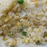 中国料理 登龍 - 海老はぷりぷり♡ご飯はパラパラ♡塩加減もちょうど良くてただデカ盛りな訳じゃなくちゃんと美味しい♡