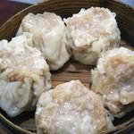 中国料理 登龍 - ジャンボシューマイ!?位大きい(笑)お肉と玉ねぎぎっしり