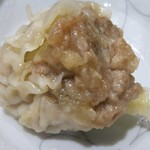 中国料理 登龍 - シューマイ丸々1個☆大きいです!食べ応えがスゴい! 2~3個食べたら結構お腹にたまります!