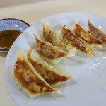 寿楽ラーメン - 「餃子」(350円)。これも美味い!