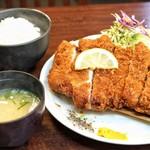 とんかつ たわら - 料理写真:■特選ロースかつ 1400円