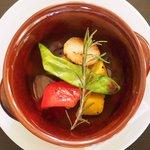 80714130 - ピッツァセット 1080円 のインカのめざめと本日の野菜の窯焼き