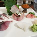 ごはんや 飯すけ - 天然鯛・地アジ・地サバ・サゴシ炙り・タイラギ・イカ・ヨコワ・イクラ。