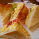 8072824 - 卵とトマトのサンドウィッチ 360円 (焼きサンドに変更)