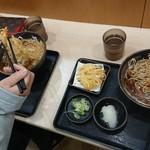 ゆで太郎 - かき揚げは写真よりもかなり小さいなぁ~w(゜o゜)w!