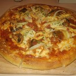 80733708 - 真いわしと野菜缶のトマトソースピザ