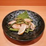 ガラシャ - イカとアスパラの炒め物