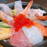 80736584 - 旬のおまかせ丼¥2030(税込)