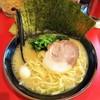 らっち家 - 料理写真:ラーメン690円麺硬め。海苔増し90円。
