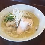 めん処 金太 - 熟成鶏そば(鶏白湯)730円