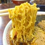 三角屋 - 縮れ麺