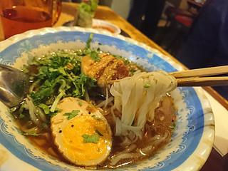 チョップスティックス 高円寺本店 - 豚角煮五香粉フォー