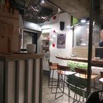 トリタベルカ - 内観写真:内観 正面の棚がトイレの扉