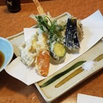 一よし - 「天ぷら盛り合わせ (1000円)」