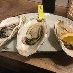 海鮮立呑 牡蠣スタンド - 岩手産と長崎産の牡蠣 蒸して頂きまーす(*´ω`*)