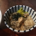 らぁめん 欽山製麺所 - 程よい量ですねヽ(*´∀`) 味つけもラーメンにあいます!