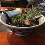 らぁめん 欽山製麺所 - 丼はこんな感じ うどん屋と違って良い丼を使っておる