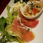 80756122 - ハモンセラーノ、白インゲン豆のサラダ、アリオリポテトサラダ、人参しりしり風の何か、ほうれん草ナムル風の何か)