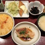 うまや - 料理写真:赤魚のあんかけと白身魚フライ♪