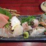 魚酔庭 - 刺身ハーフ盛り1500円