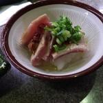 宝田水産 - マグロのガーリックソース