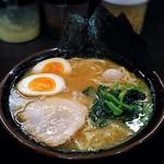 頂キ家 - 料理写真:【半熟味玉ラーメン(並)】¥780
