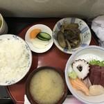 味館食堂 - 刺身定食900円