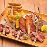 肉バル MEATERS - 料理写真:熟成肉&肉料理8種盛り合わせ