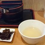 80776988 - 無料サービスの生姜湯と味付け昆布