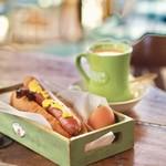カフェレストラン コルマール - モーニングのホットドッグ