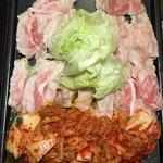 新宿東口 韓国料理 サムギョプサル とん豚テジ - カンナ三段バラ