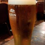 うどん屋てんてこ - 泡がきめ細かいビール
