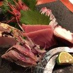 魚まみれ眞吉 - 刺身7点盛(ニシン、炙りサワラ、メジ鮪、マダコ、炙りしめ鯖、真鯛、甘海老)