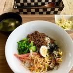 三上山テラス - 料理写真:ビビンバ