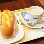 ドトールコーヒーショップ - ミラノサンドAとロイヤルミルクティーS