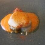 80799745 - 北海道産アンコウのポアレ パプリカとインカの目覚めのピューレ 生ハムとドライトマトのコンカッセ チョリソーの泡添え