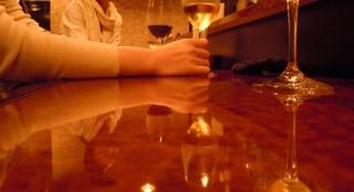 Antic Wine - ●美人は手も腕も美しいのだ。