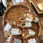 原信カフェ - たっぷり4種のチーズパン(税抜240円)