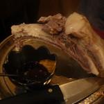 シリンゴル - チャンサンマハ(骨付き羊肉塩茹で)