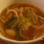 シリンゴル - ホイツァイ鍋(野菜&羊内臓鍋)の〆のうどん