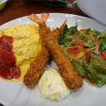 アンパンマン&ペコズキッチン - 料理写真:海老フライ&オムライス