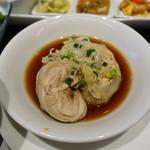 チャイナ食堂 九龍 - 蒸し鶏の醤油がけ