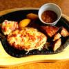 びっくりドンキー - 料理写真:ハンバーグ&カットステーキセット