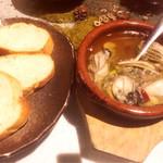 炭旬鮮市場 からす - 牡蠣のアヒージョ
